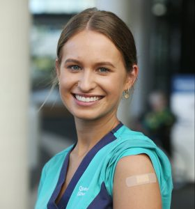 Zoe Park is the first Queenslander to get the COVID vaccination